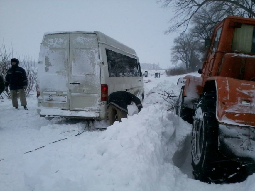 Почти 140 человек спасли от снежных заносов в Западно-Казахстанской области