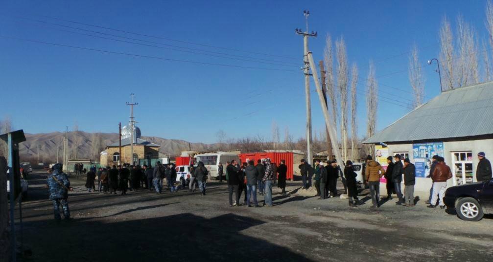 20 раненых и 1 погибший: конфликт на таджикско-киргизской границе