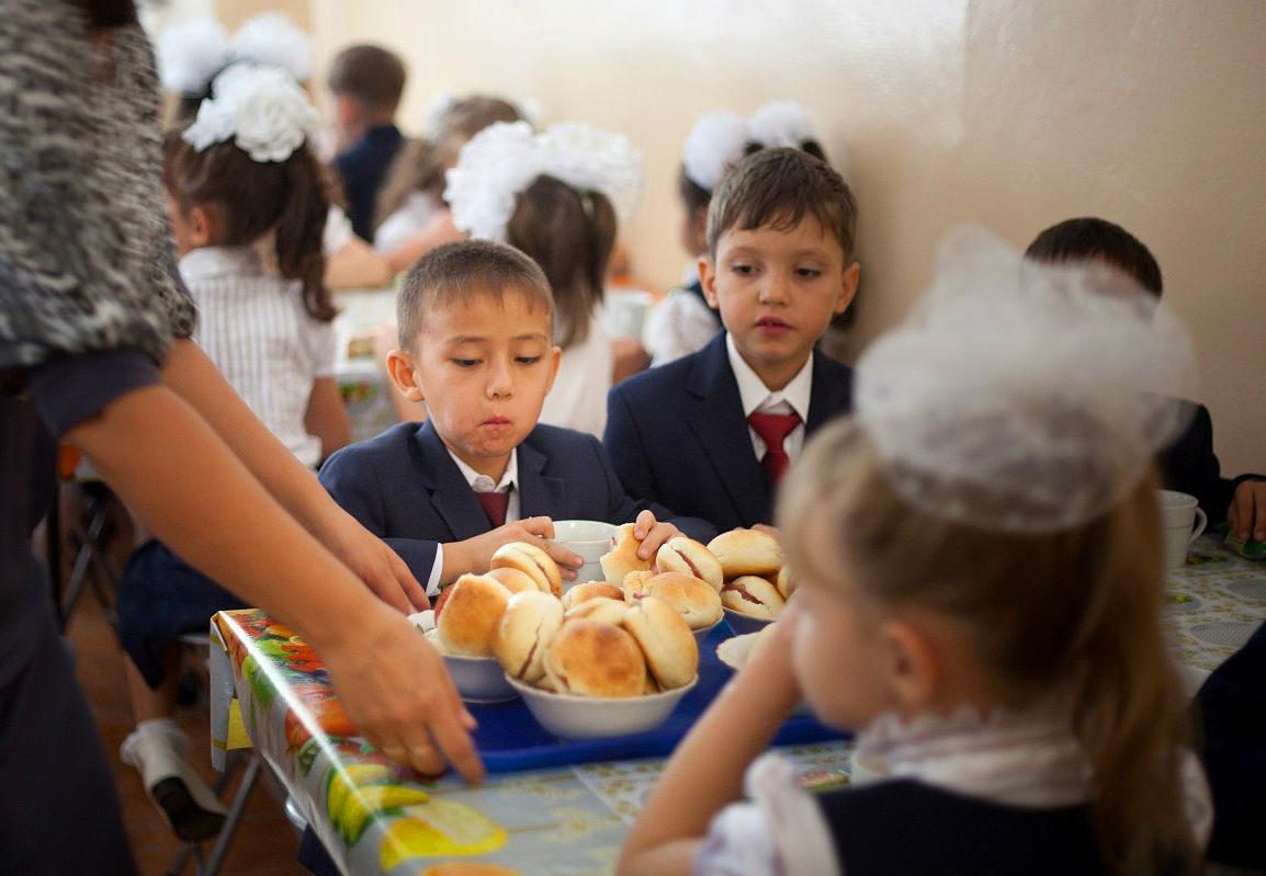 Бесплатное питание в школах РК: Дёшево, сердито, скандально