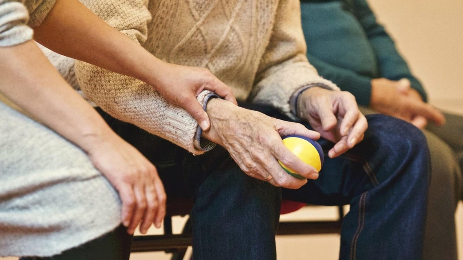 В РК бесплатно прооперировали 300 пациентов с болезнью Паркинсона