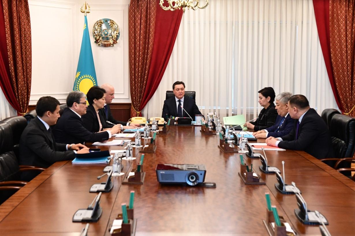 Премьер-министр РК обсудил вопросы развития столицы