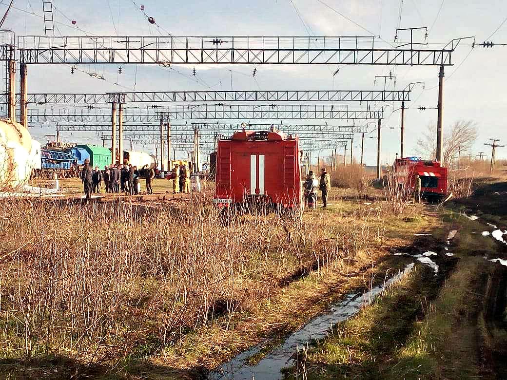 В Акмолинской области 8 вагонов с дизельным топливом сошли с рельсов
