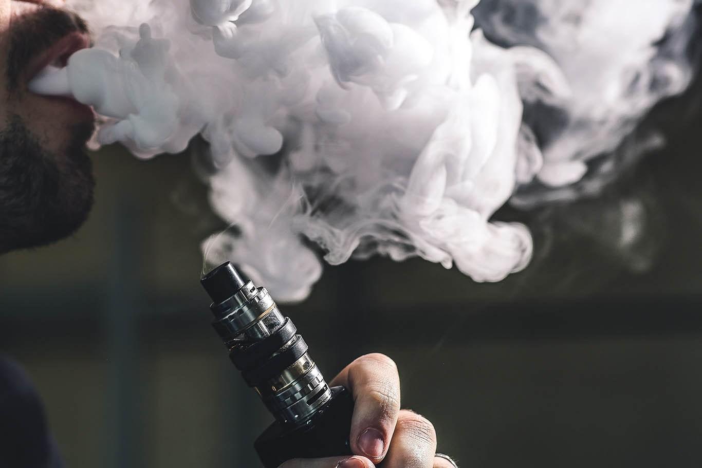 Исследователи: Вейпы — опасны. Самые токсичные ароматизаторы — ментол и корица