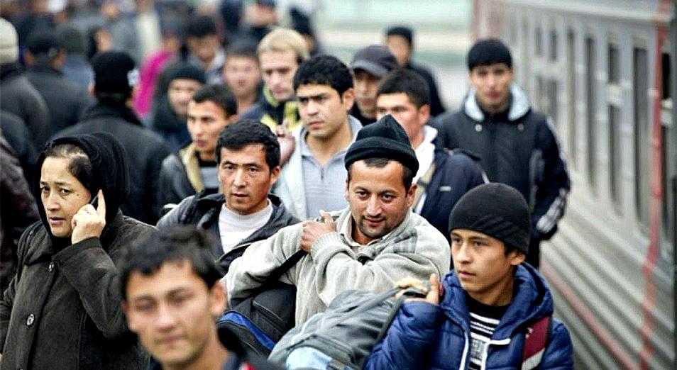 За 3 месяца Казахстан покинуло более 7000 жителей городов