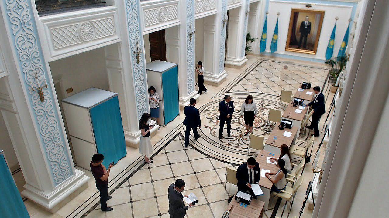 Более 50% избирателей проголосовали на выборах президента РК к 14:00