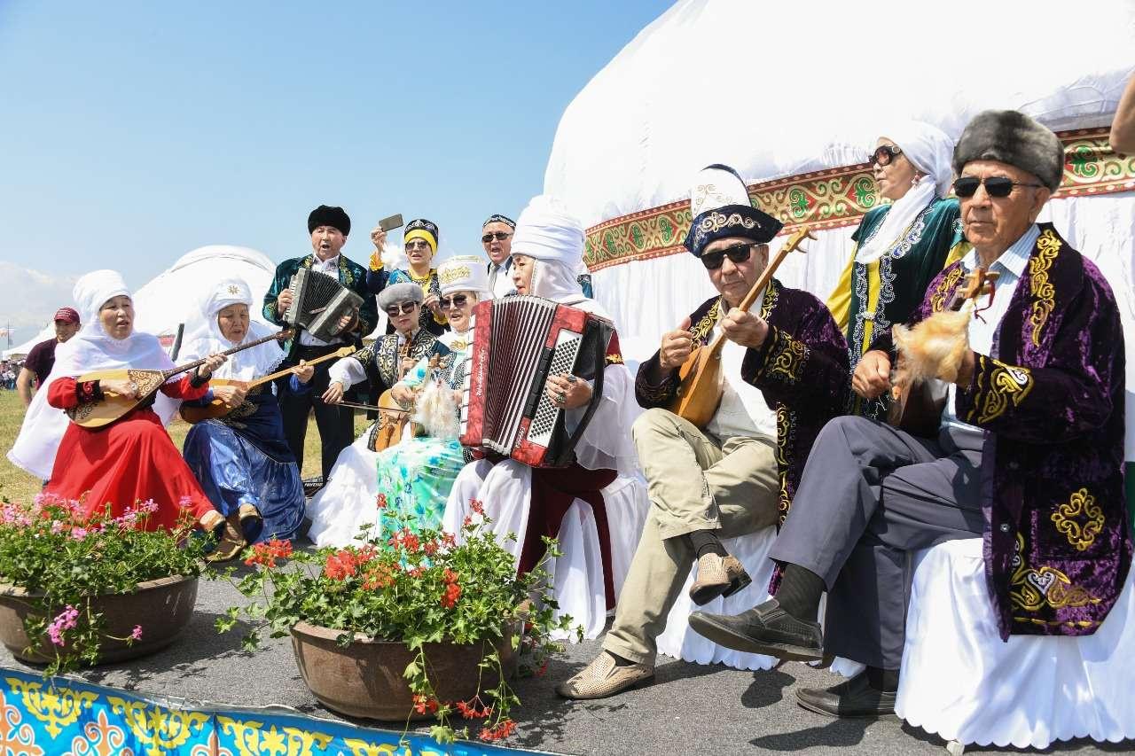Поединки батыров и шоу великанов. В Алматы проходит этнофестиваль