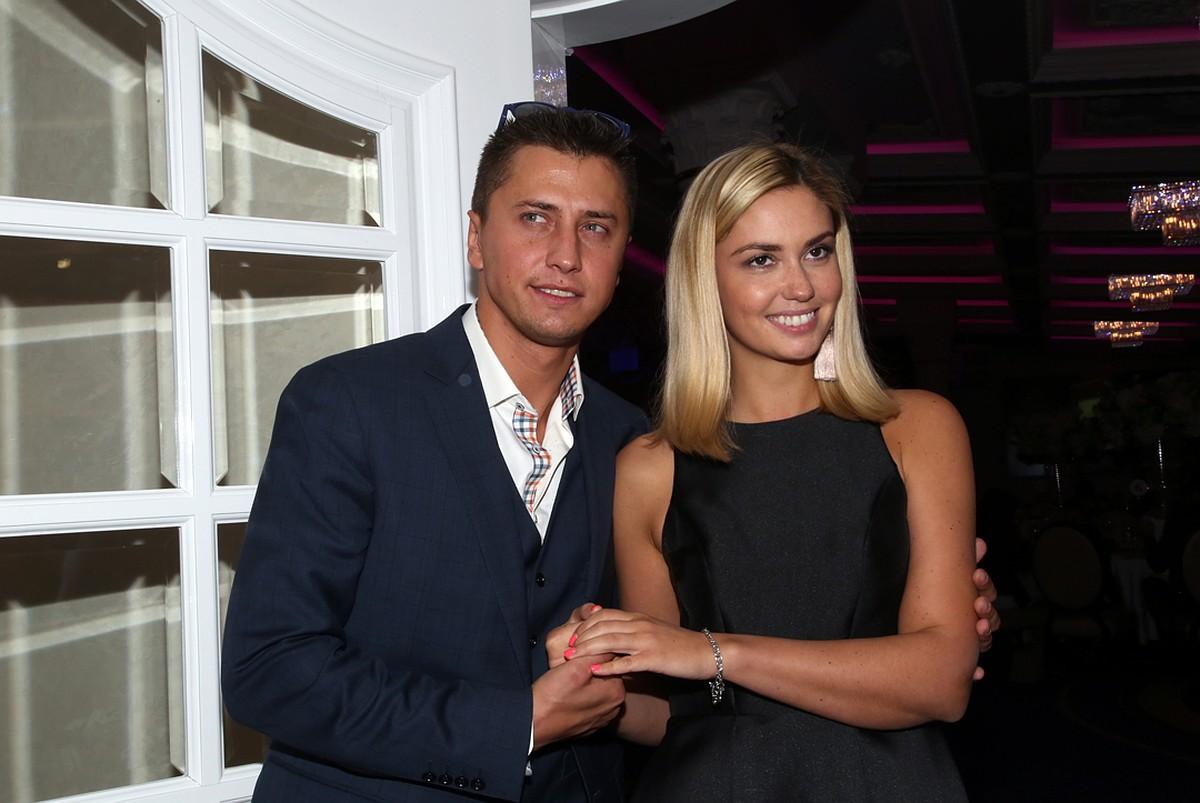 Российские звезды, сделавшие предложение своим возлюбленным практически на первом свидании