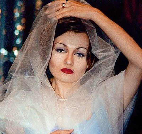 «Новые русские бабки»: как выглядит жена Цветочка?
