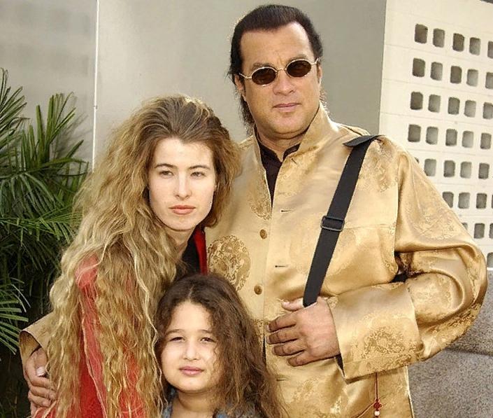 Самые красивые дочери актёров боевиков 90-х