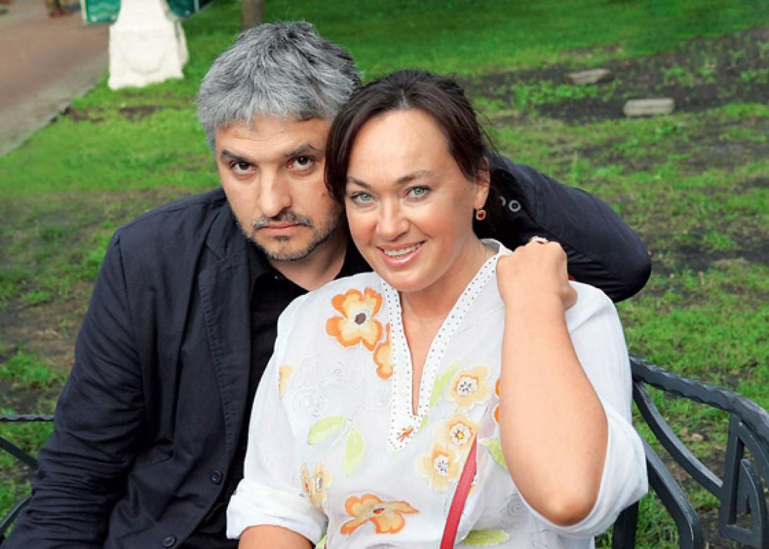 Звездные пары, которые регулярно «разводят» СМИ